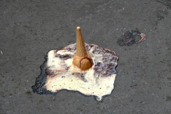 Fallen-ice_cream-cone