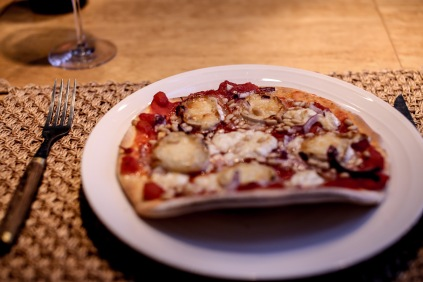The first night we made chevré-pizza. Yum in tum.